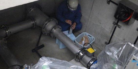 佐井寺配水場マイクロ水力発電所の水質検査