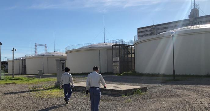 寝屋川市楠根配水場マイクロ水力発電所外観