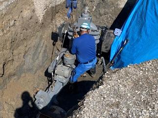 不断水分岐工事―穿孔機取付