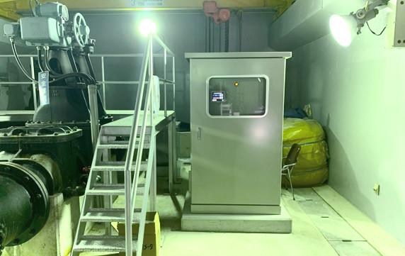 金剛東配水池マイクロ水力発電所のシステム制御盤