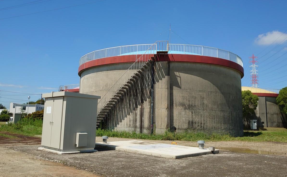 一ツ木配水場マイクロ水力発電所の外観1
