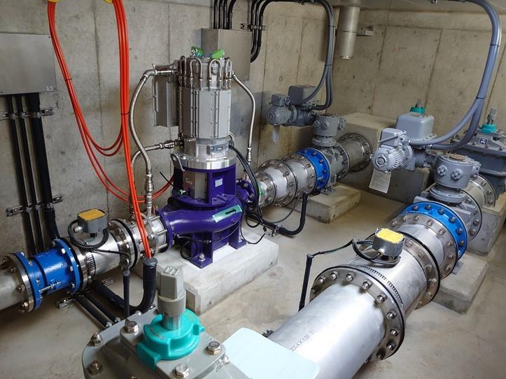 一ツ木配水場マイクロ水力発電所のピット内